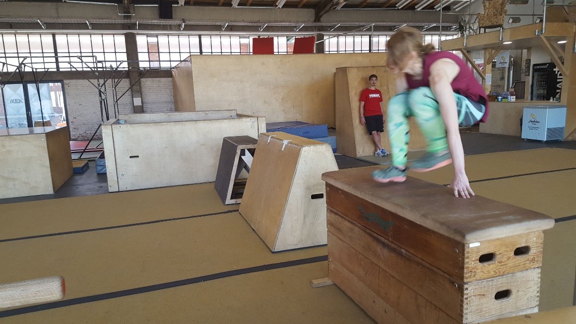"Parkour in ""die Halle"""